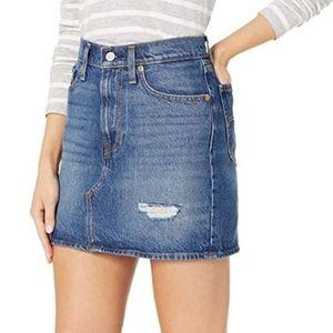 Levi's Decon Skirt Along Denim Jean